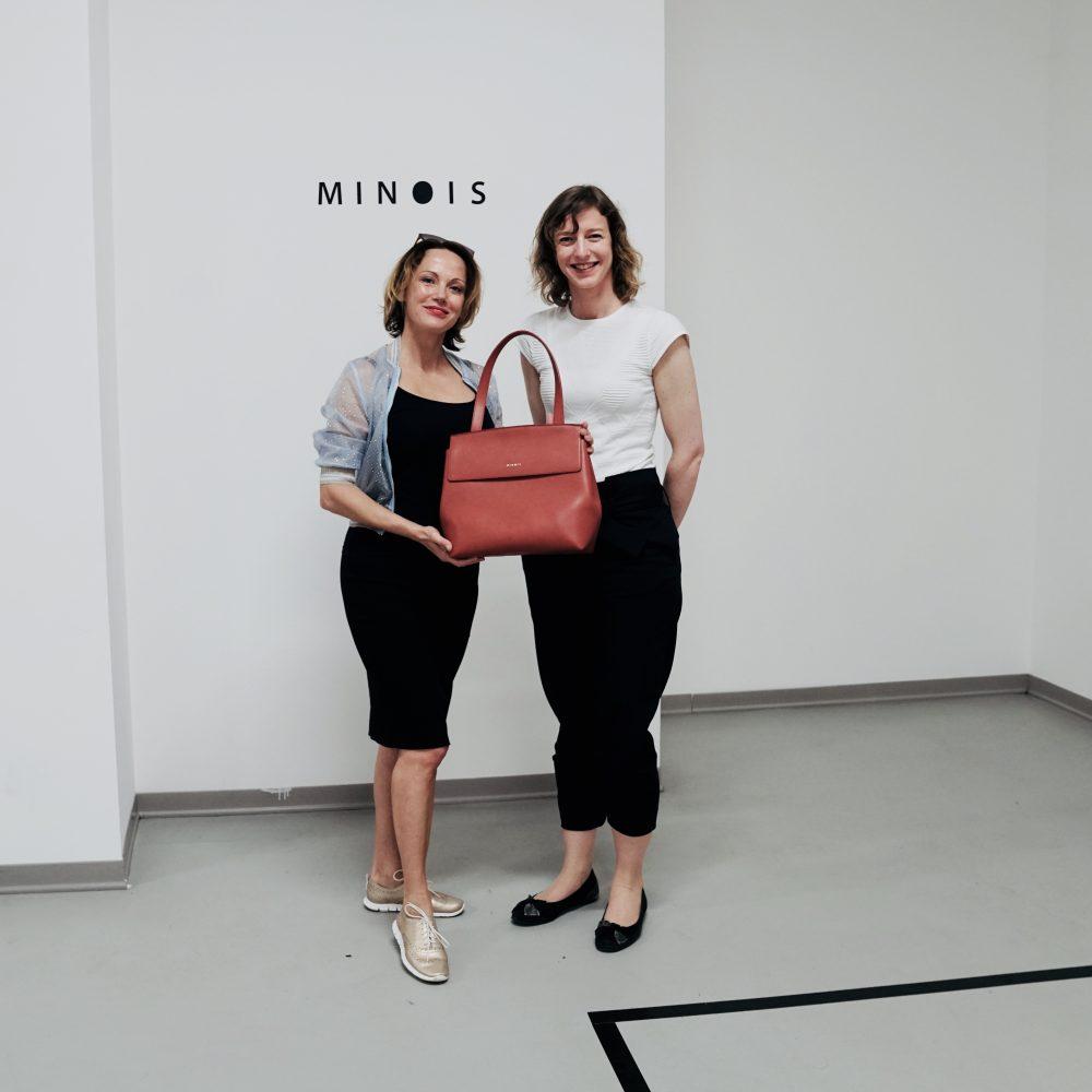 s dizajnérkou kabelky Minois