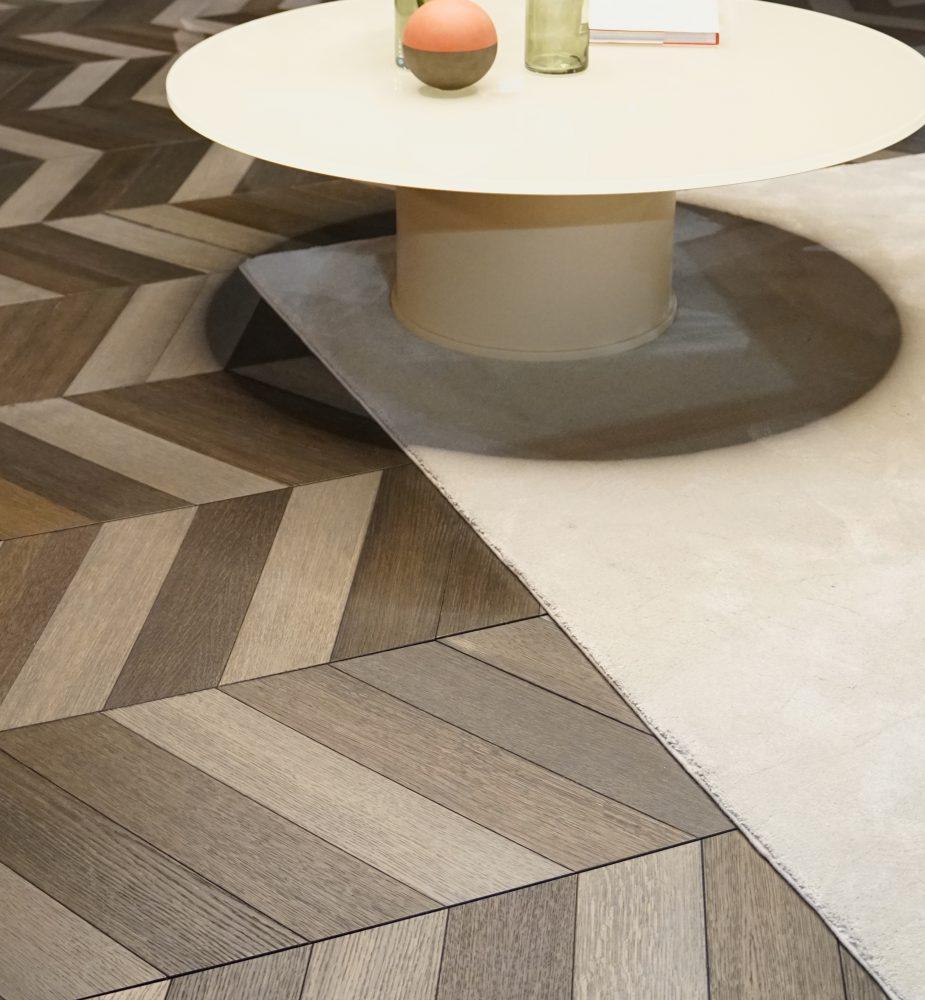 parketová podlaha z keramiky