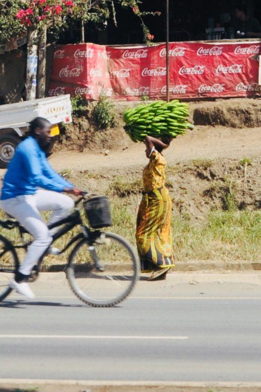 minimálne 50 kg náklad banánov