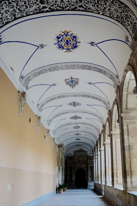 Santo Domingo Orihuela - historická maľba na stropoch chodieb seminára