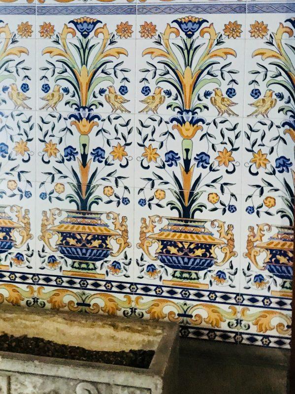 Orihuela - tradičná majolika na stenách vstupnej chodby seminára