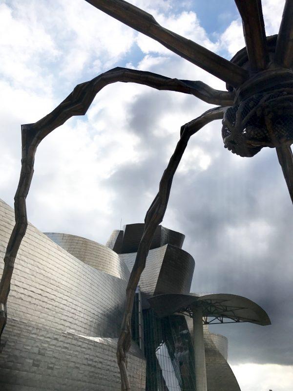 v objatí pavúčej mamy