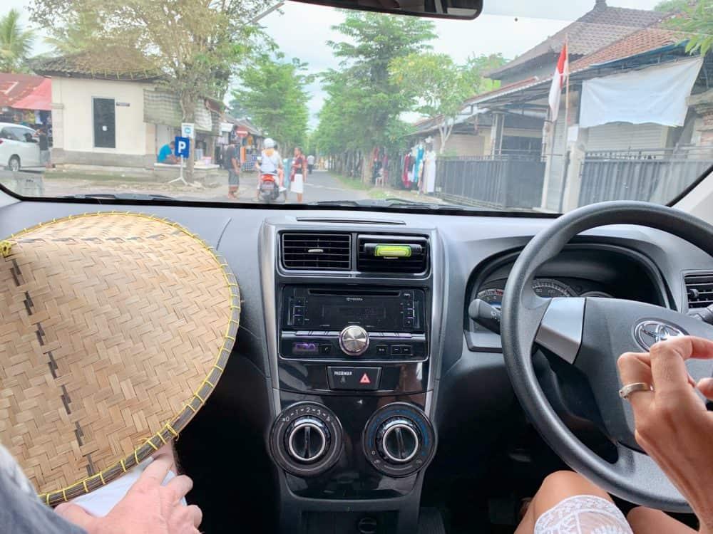 Na Bali sa jazdí na ľavej strane